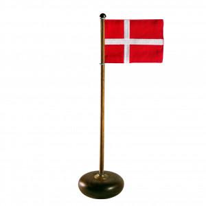 Bordflag i valnød med det danske flag